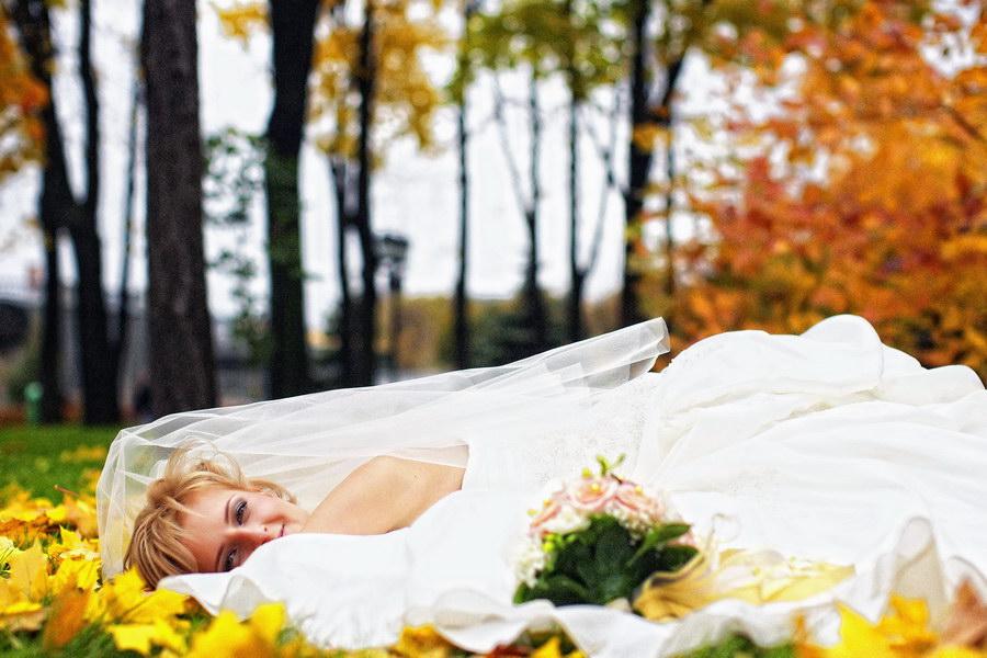Свадебная фотография - Осенняя прогулка